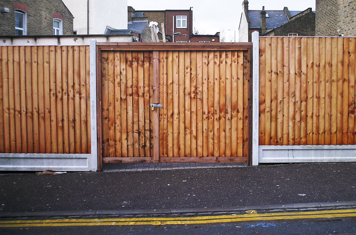 Gate services in brentwood ilford and romford made to measure gates baanklon Images